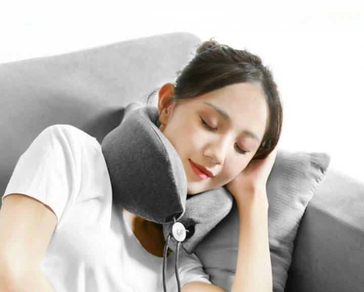 Подушка для шеї для масажу