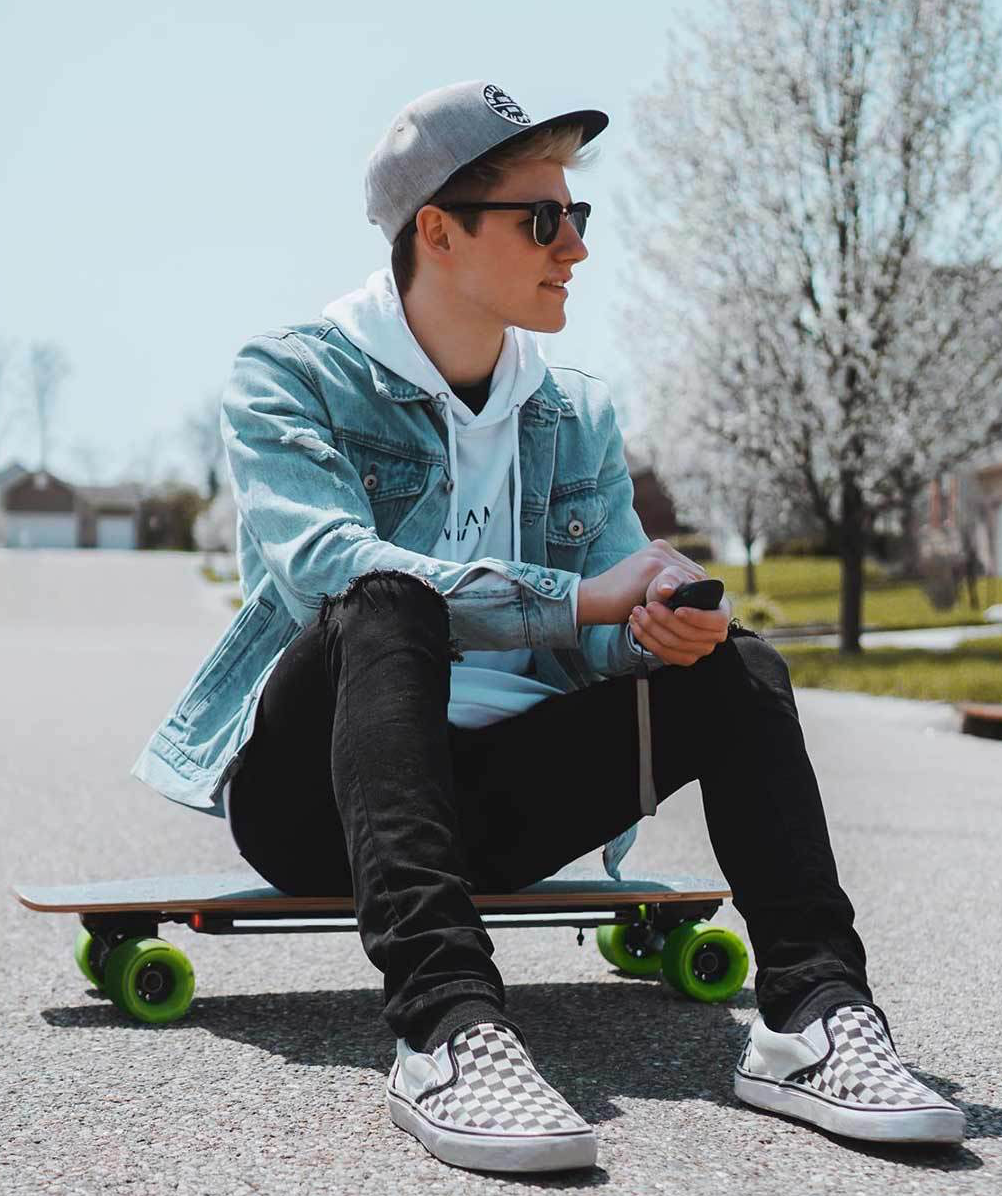 Acton Smart Skateboard điện