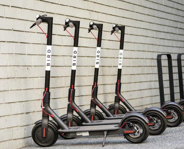 W Polsce są rowery miejskie do wypożyczenia, a w USA hulajnogi Xiaomi