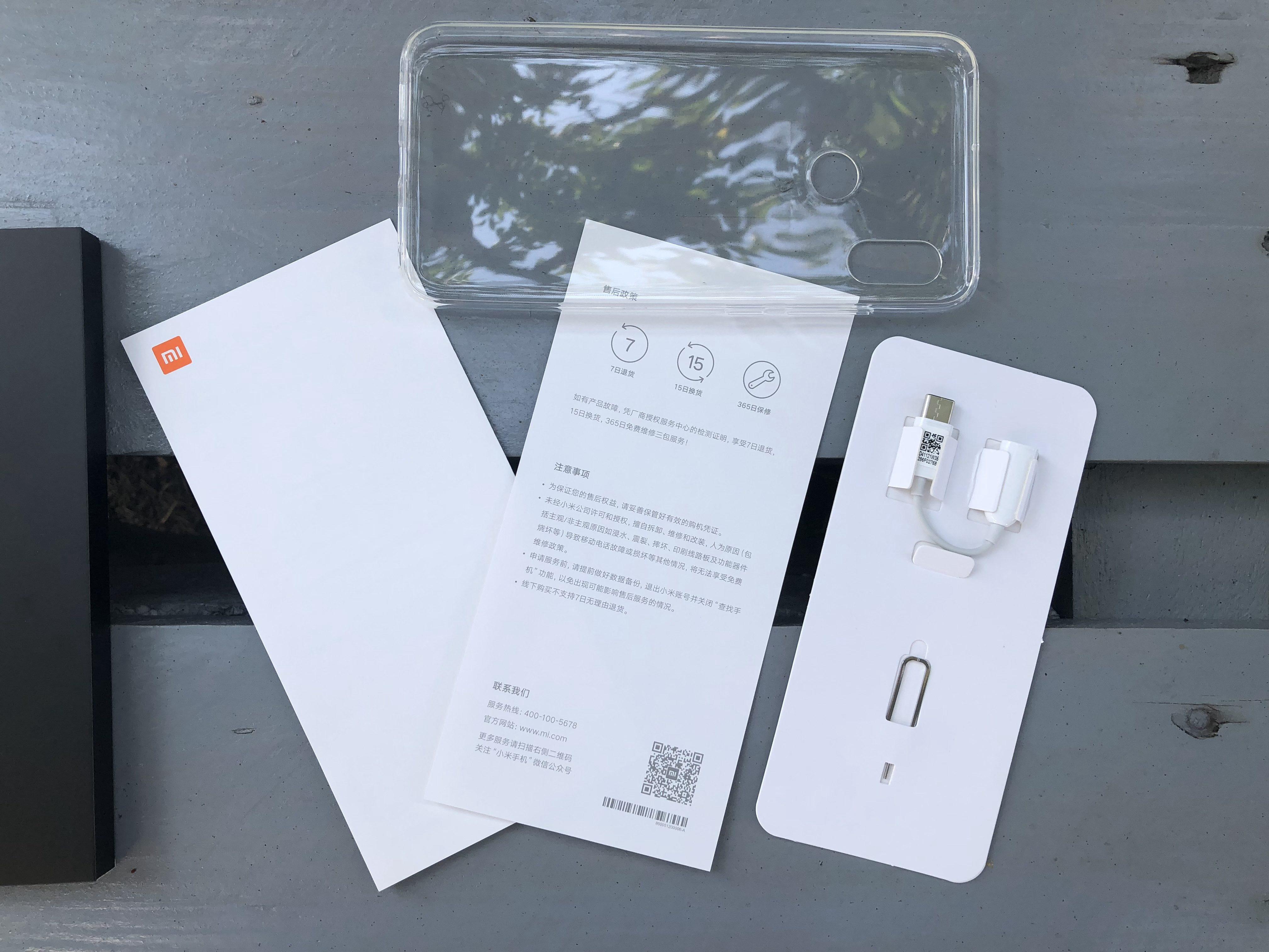 Xiaomi Mi 8 unpacking