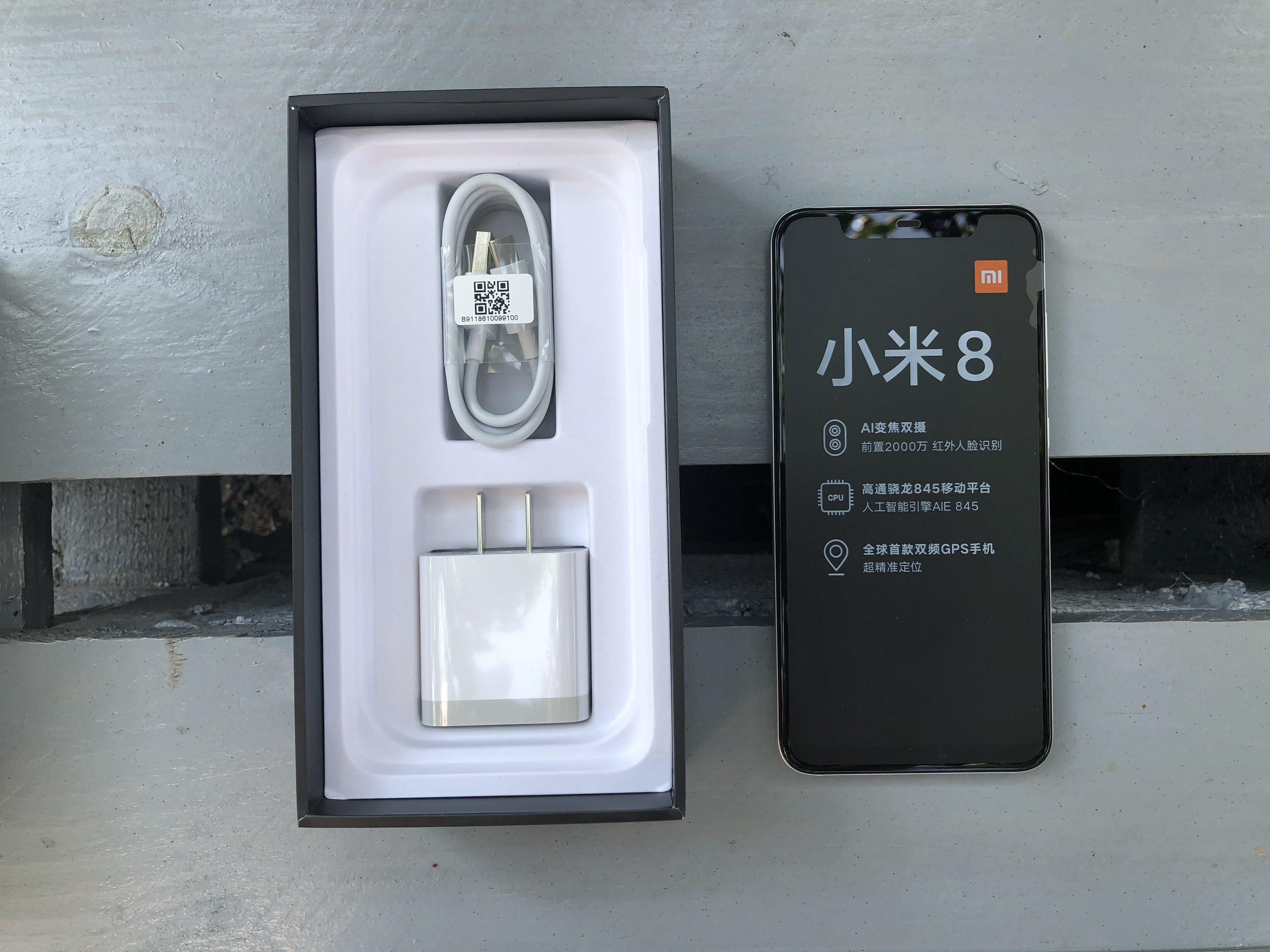 Xiaomi Mi 8 udpakning