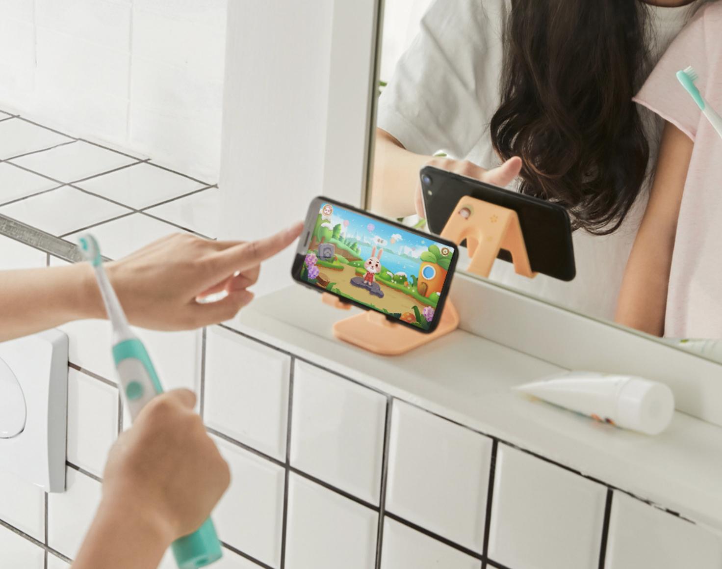 Xiaomi Soocas bir dostluq interfeysi ilə yeni bir körpə diş fırçası