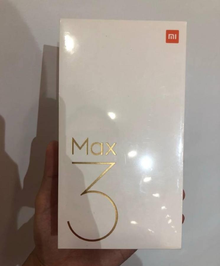 Xiaomi Mi Max 3 rəsmi fotoşəkilləri + qutusu