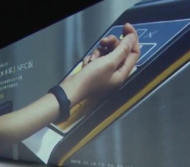 Pierwsze zdjęcia opaski Mi Band 3 z NFC