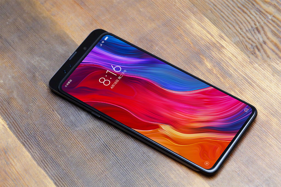 CEO Xiaomi confirms Mi Mix 3 in October and presents the photo