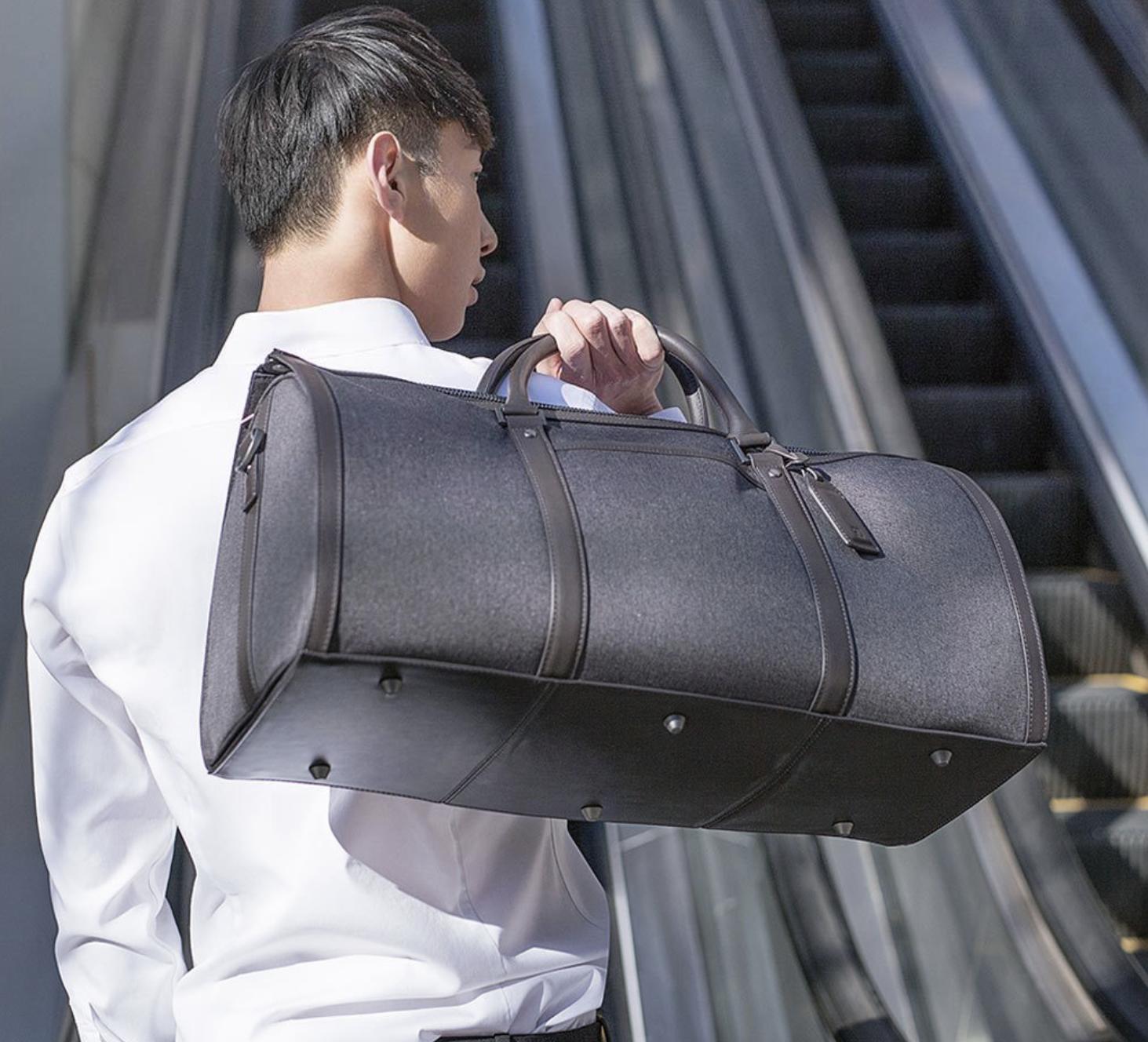 90Fun presenta una borsa da viaggio elegante