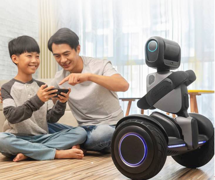 Xiaomi Ninebot Lu Meng - from the hoverboard to the robot
