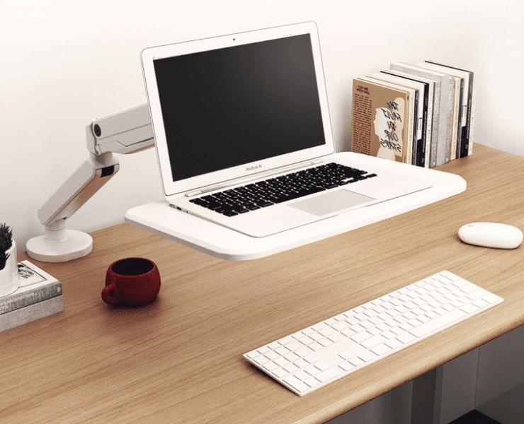Mechaniczne ramię Loctek dzięki któremu ustawisz laptopa w optymalnej pozycji