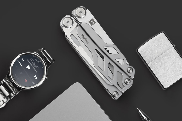 Multifunctional NexTool knife on the Youpin platfrom
