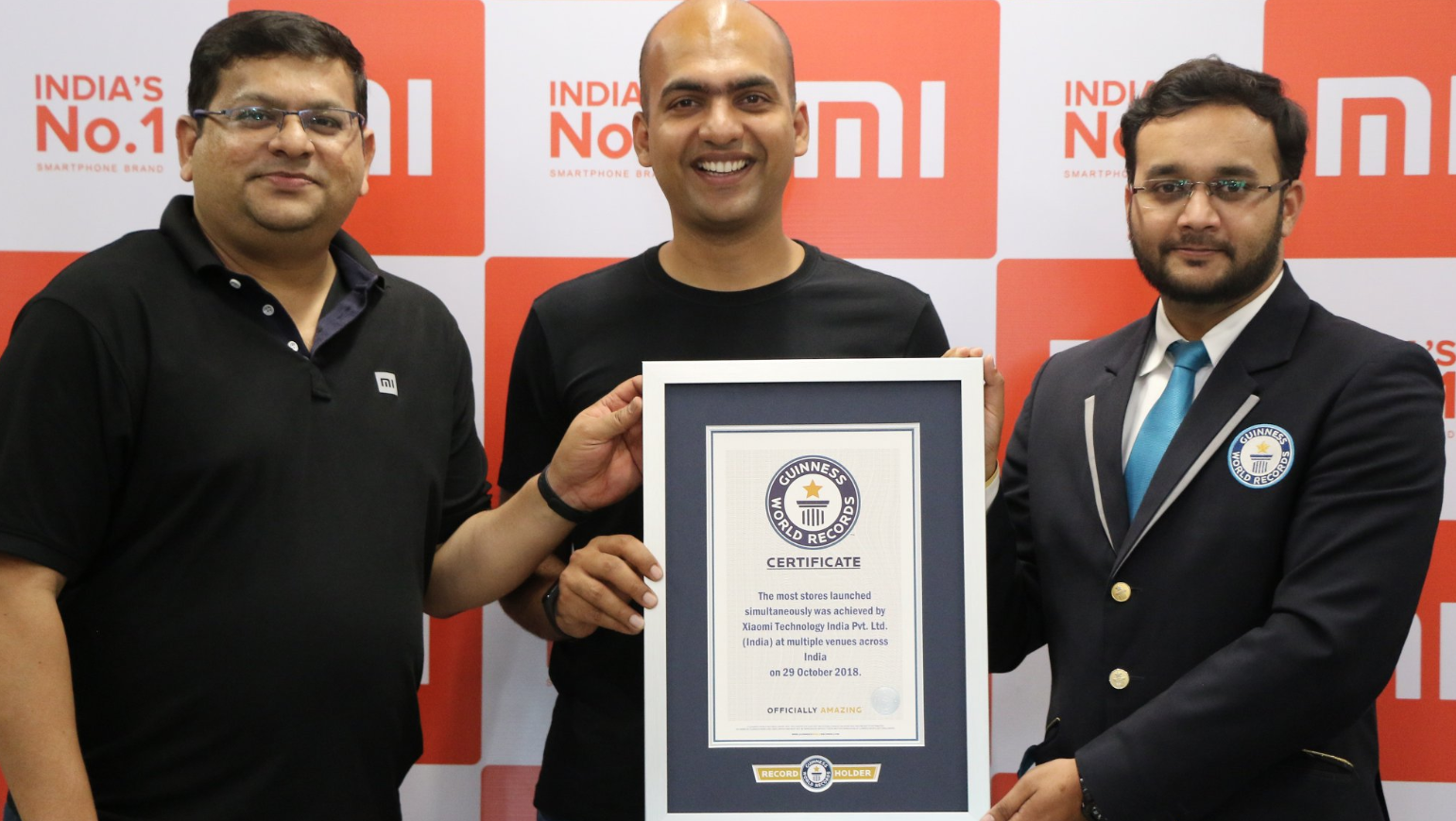 Xiaomi at the same time opened 500 stores - they went to the Guinness Book of Records