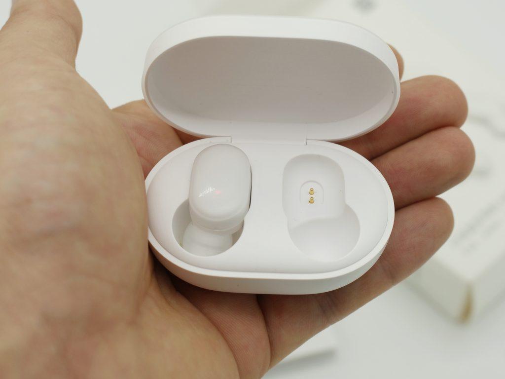 Xiaomi AirDots wireless headphones [unpacking]