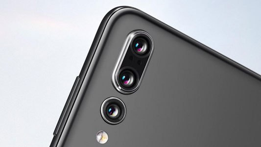 Витік рекламної графіки Xiaomi Mi 9 або помилкова графіка?
